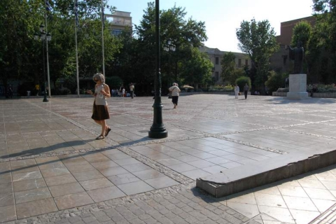 The beautiful Mitropoleos Square