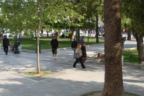 Walking at the Syntagma Square